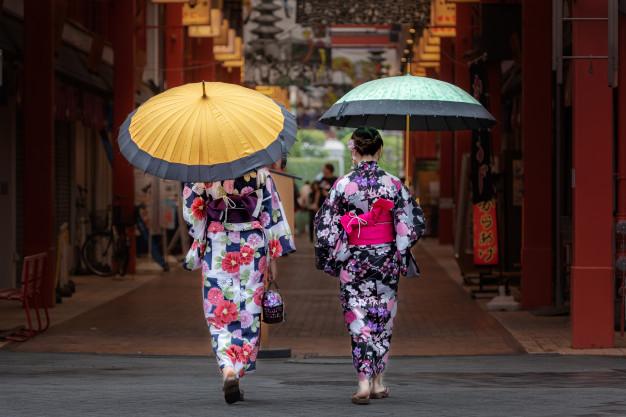 asiatiske kostumer